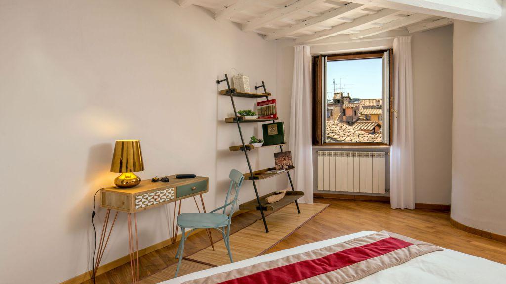 myapartsuite-rome-luxury-navona-apartment-room-2