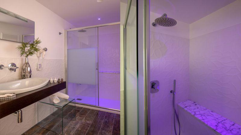 myapartsuite-rome-luxury-spagna-apartment-bathroom