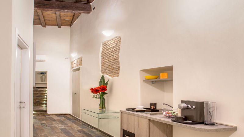 myapartsuite-rome-luxury-spagna-apartment-entrance