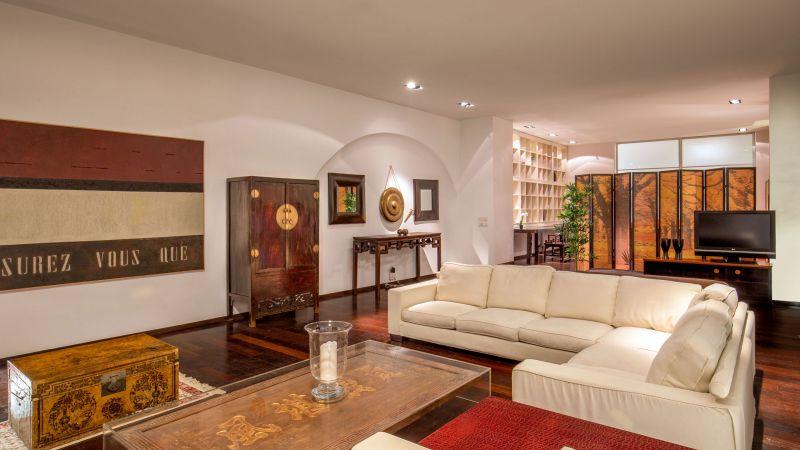 myapartsuite-rome-luxury-torre-argentina-apartment-living-room-2