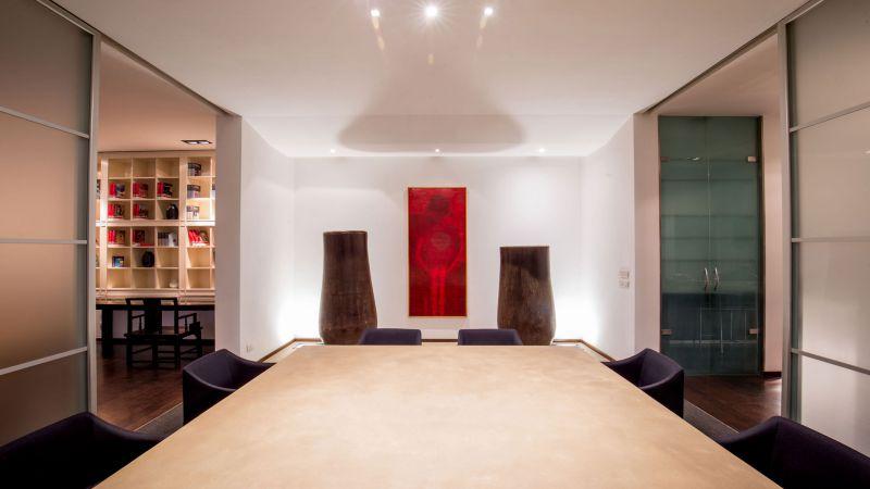 myapartsuite-rome-luxury-torre-argentina-apartment-dining-room