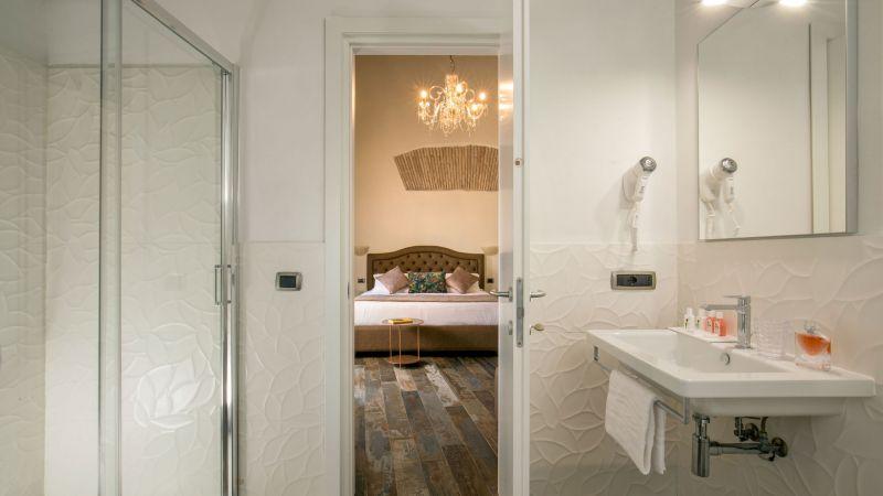 myapartsuite-rome-pantheon-guesthouse-bathroom